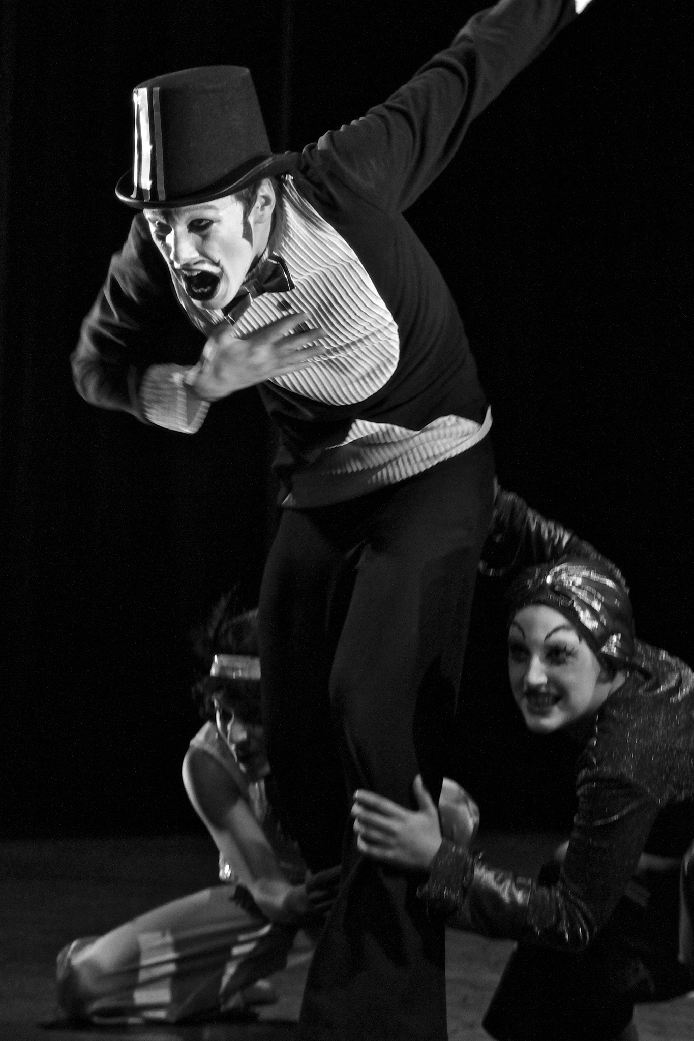 Summit Dance Theatre perform Drumstick and Nacht at the Ivy Theatre, University of Surrey